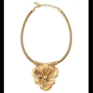 Sella & Dot Gold Bloom Necklace, Statement. New.
